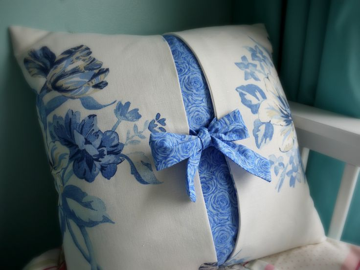 My latest cushion design  completed this afternoon, I'll be writing the instructions over the next few days for my Etsy shop. www.lillyblossom.co.uk https://www.facebook.com/pages/LillyBlossom/198273526881067?ref=hl