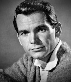 Dean Jones est un acteur américain, né le 25 janvier 1931 à Decatur, dans l'Alabama (États-Unis) et mort le 2 septembre 2015. Il est surtout connu pour avoir joué dans des rôles principaux dans plusieurs films de Disney dont la Saga de la Coccinelle.