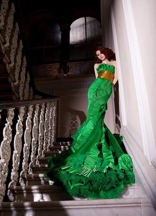 Shady ZeinEldine Haute Couture  Women's Fashion ✯Long Dresses, Shady Zeineldine, Couture Gowns, Kelly Green, Couture Dresses, Stunning Dresses, Couture Fashion, Green Dresses, Haute Couture