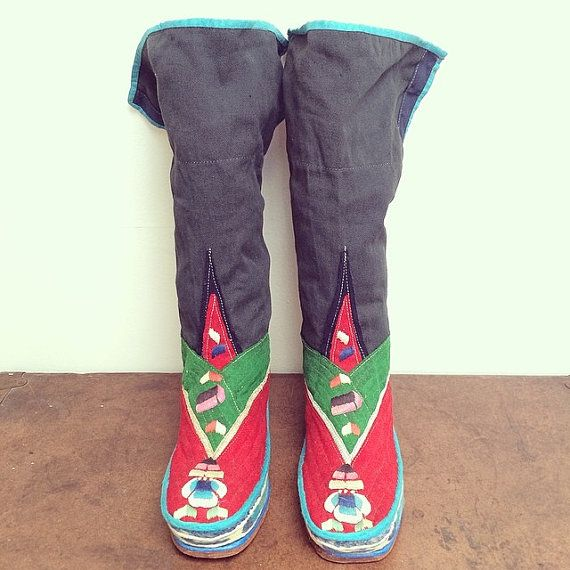 Tibetan Handmade Boots // vintage wool cotton by FenixVintage