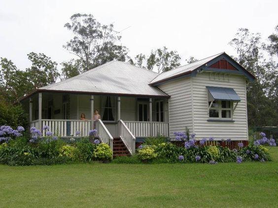 Nice queenslander house: