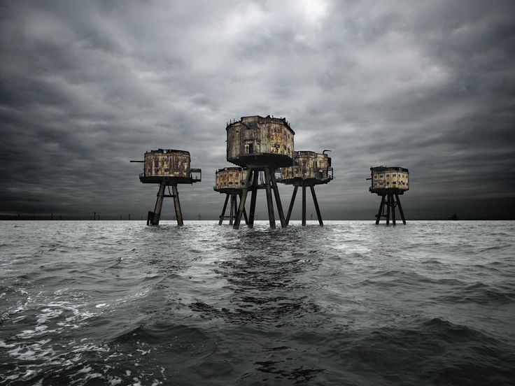 MAUNSELL FORTS - thames estuary england