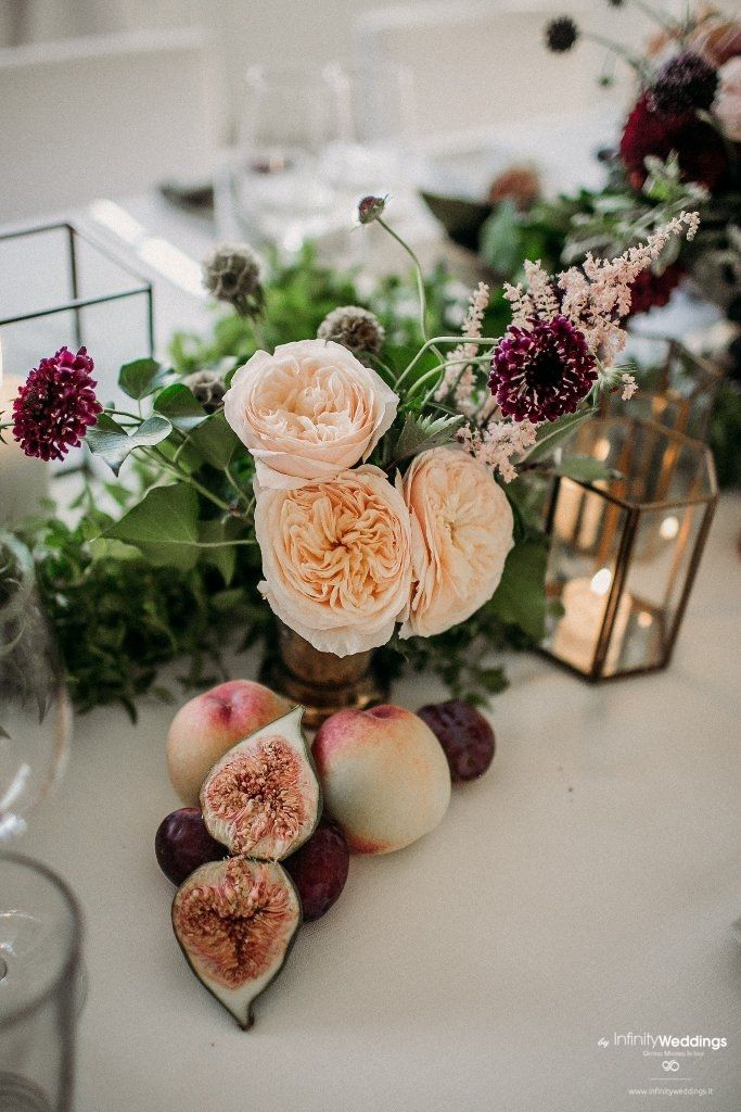 The Capri Experience • Getting Married in Italy - Wedding Planning for your Destination Wedding  #burgundy #burgundywedding #blushburgundy #blushpink #destinationwedding #weddinginitaly #weddingincapri #capri #capriwedding #weddingplanneritaly #destinationwedding