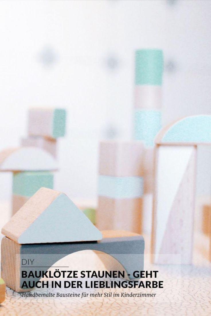 DIY | Bauklötze staunen - geht auch in der Lieblingsfarbe. Handbemalte Bauklötze aus Holz einfach selber machen | paulsvera