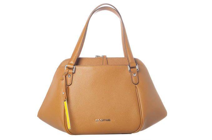 La borsa da giorno a trapezio diventerà un'inseparabile compagna di avventure.  Cromia (€ 161)