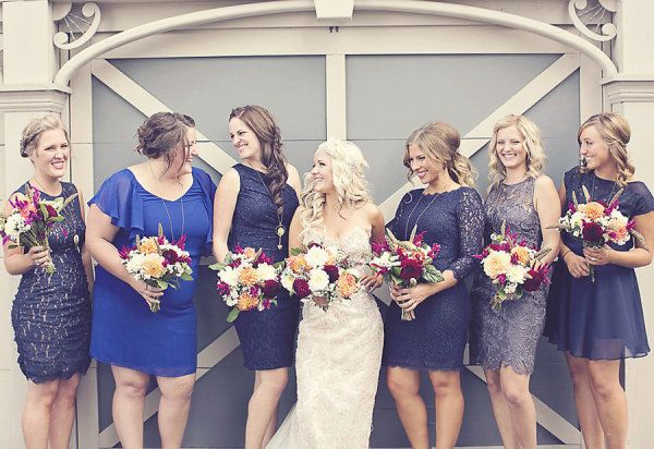 blue bridesmaids  Photography by http://www.anthemphotography.com