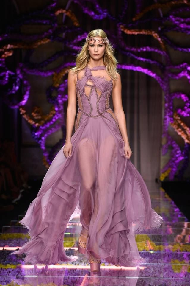 Atelier Versace Fall Winter 2015/16 Collection.