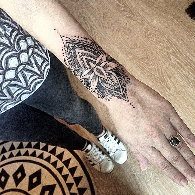 Wrist Mandala Tattoos Henna: 241 Best Images About Tattoo On Pinterest