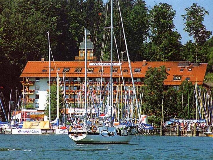 Yacht hotel Chiemsee ein Seehotel mit Seeblick in Seelage am Chiemsee auch als Tagungshotel am Chiemsee eines der besten Tagungshotels