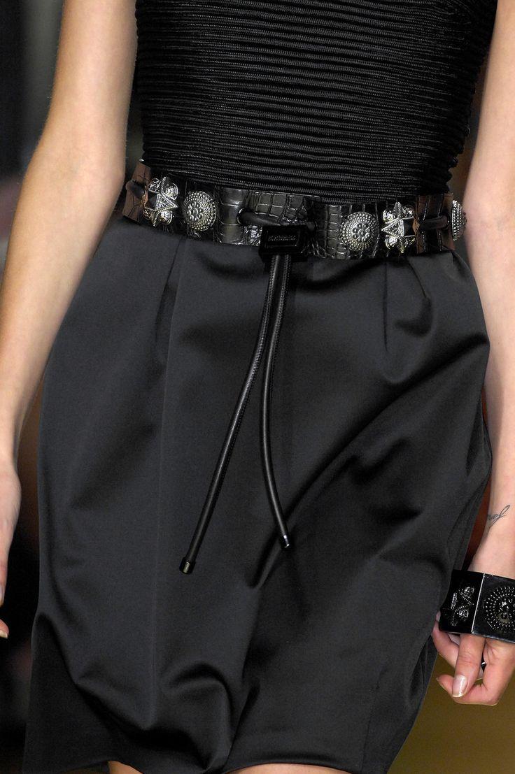 Burberry Prorsum2008 Details, Wear Black, Prorsum Ss, Burberry Belts, Fabulous Fashion, Fabulous Black, Burberry Prorsum, Classic Style, Style Fashion