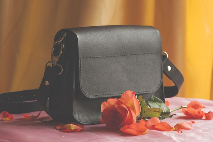 BLACK PEARL BAG from natural leather. The result of the meeting between elegance and simplicity. The product is hand sewing.  On sale - 82 €