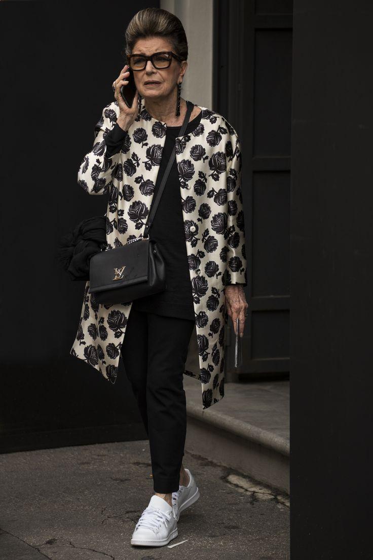 Белла Хадид в виниловых брюках, показ Gucci, проливные дожди и другие важные моменты первого дня миланской Недели моды.