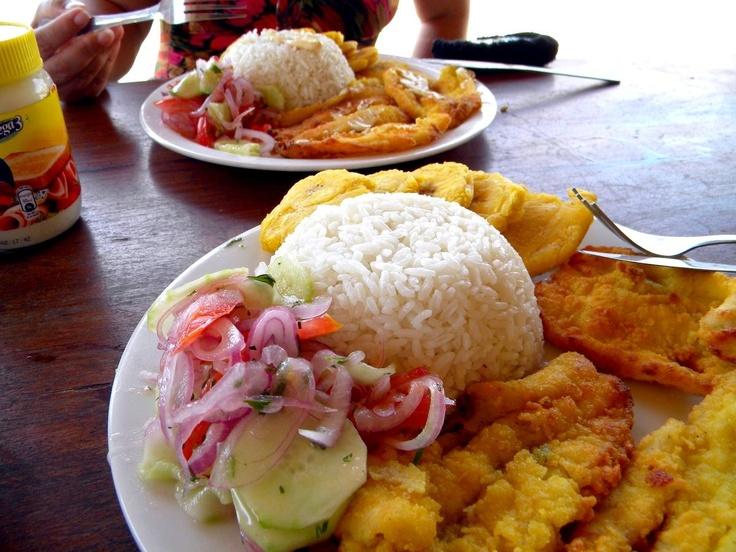 plato tipico de la playa