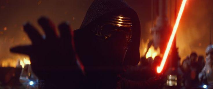 Mais um personagem do universo de Star Wars está chegando a Walt Disney World no próximo mês. Trata-se de Kylo Ren, vilão do novo filme Star Wars: The Force Awakens (Star Wars: o Despertar da Força) estará se apresentando no parque Disney's Hollywood Studios. Interpretado por...
