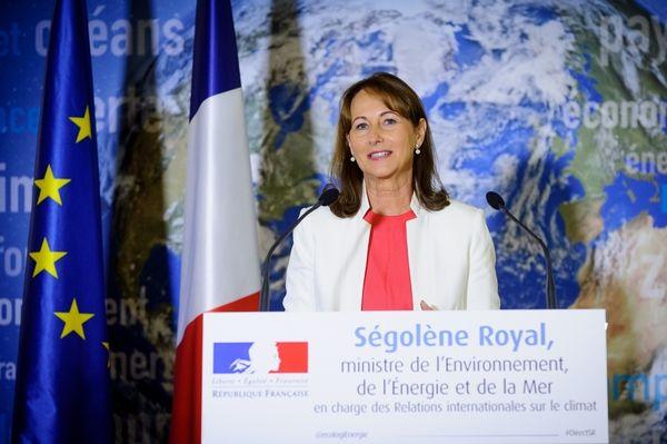 Ségolène Royal lance une prime économies d'énergie - http://www.maisonetenergie.info/segolene-royal-lance-une-prime-economies-d-energie-2017-03/  Source : http://www.maisonetenergie.info #Économies_DÉnergie, #Précarité_Énergétique, #Prime, #Rénovation, #Ségolène_Royal