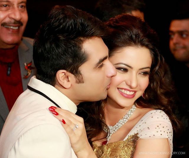 TV Actress Aamna Sharif Wedding Photos - MERE PIX