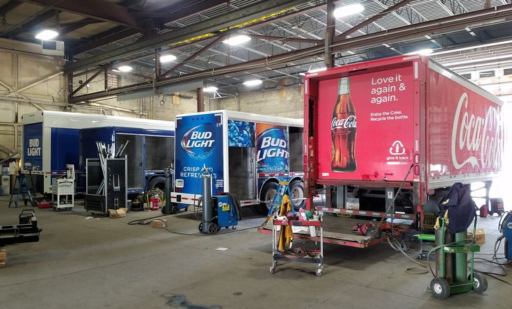 Eclipse Fleet Service located in Nanticoke, Pennsylvania offers beverage distributors and food service companies the highest quality truck and trailer refurbishing, reconditioning and maintenance service. Eclipse Fleet Service mission to their customers is attention to details, design improvements and the highest quality workmanship.