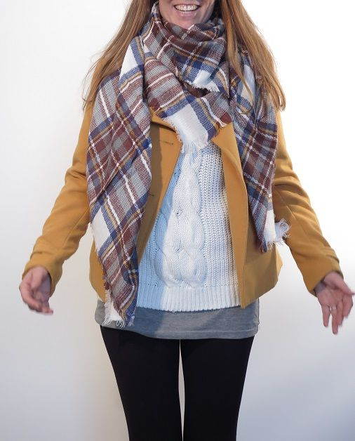 ¡Escribe a info@escampe.com para conseguir tu pañuelo de moda por 10€! 140 x 140 Pañuelo maxibufanda de cuadros (marrón blanco azul)