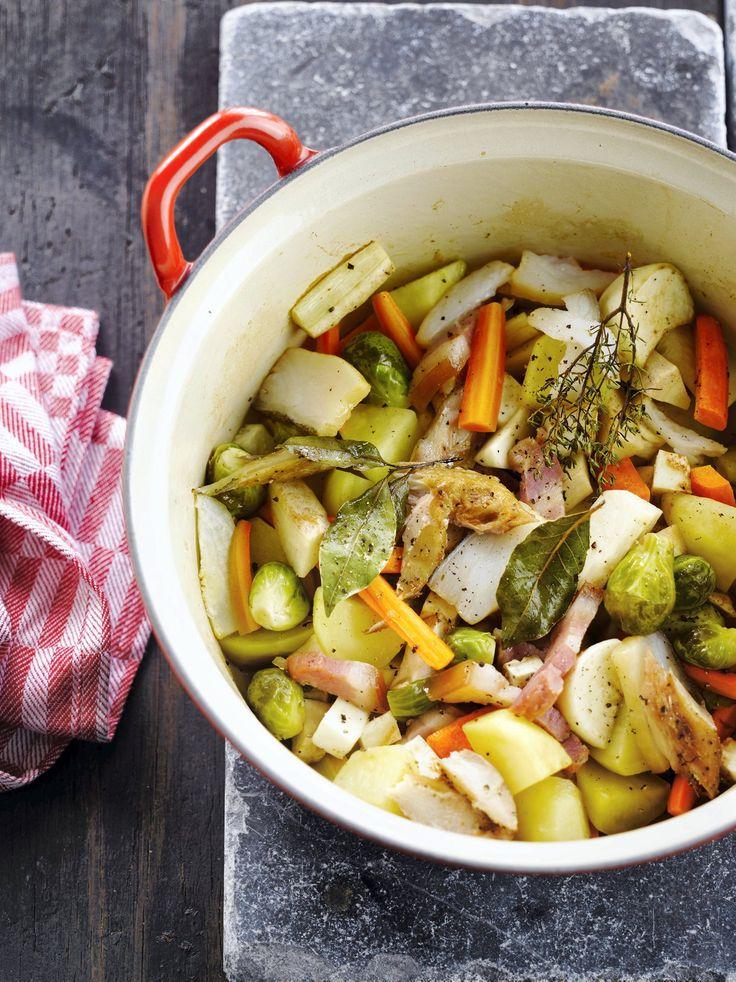 Dés de haddock et lardons mêlent leurs saveurs dans cette cocotte de légumes très parfumée.