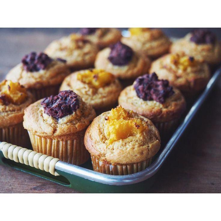 今日は半分はTPあんこで 自分で炊いたあんこは甘さ控えめで粒たっぷりなので好きです 間違いなくうまいやーつになった お昼のデザートにいただきました痩せちゃうラッキー  必要ならレシピUPするので言ってくださいねお仕事納品したので時間ありです  そして紫芋パウダー入れ忘れたことに気付くというごめんなさい  #冬のマフィン祭り#マフィン#マフィン愛好家#お菓子作り#マフィン祭り#muffin#baking#homemade#sweets #foodpic #feedfeed#BAKE@thefeedfeed  #焼き菓子#管理栄養士#dietitian#KAUMO#メープルシロップ#maplesyrup#さつまいも#焼き芋#beanpaste#黒糖#野菜のお菓子#さつまいもマフィン#sweetpotate#新作#レシピ#recipe#あんこ  あジモティーで食べたい人いたら言ってくださーいあげまーす by fujifab12