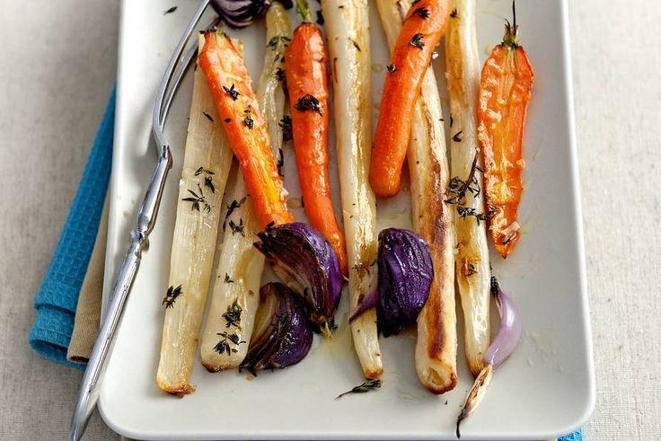 Met rode ui en wortelen een perfect bijgerecht voor bij biefstuk of kabeljauw - Recept - Allerhande