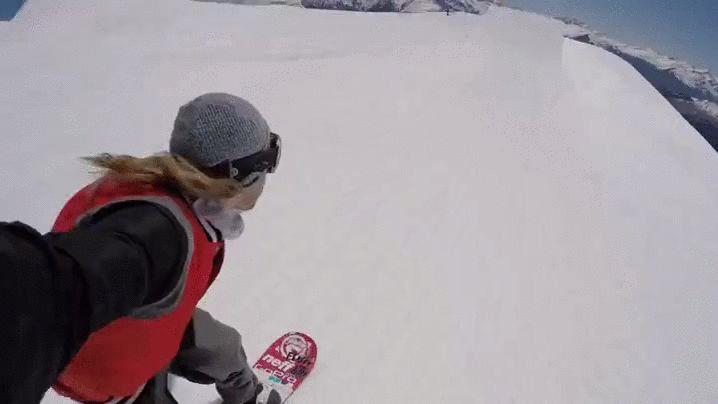 Drohnen Handstart auf dem Snowboard | Das GIF des Tages ist episch