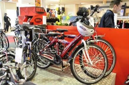 #kinderfiets #van vliet tweewielers #Hoorn #fietswinkel #van vliet #jongen #fiets #stoer