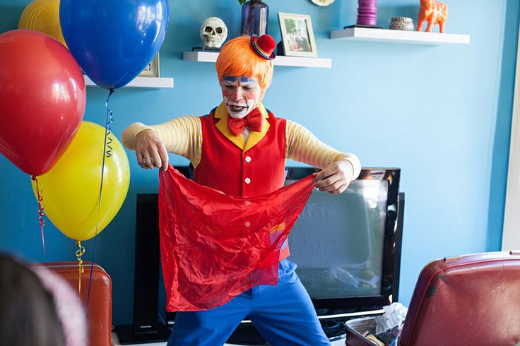 Auckland Clown, Popcorn the Clown. Popcorn is hilarious. We promise you will love hime to bits!