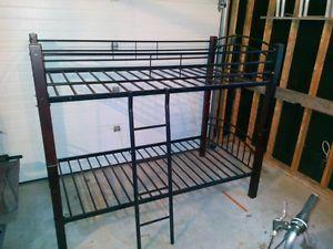 17 meilleures id es propos de meubles en bois de for Entreposage meuble quebec