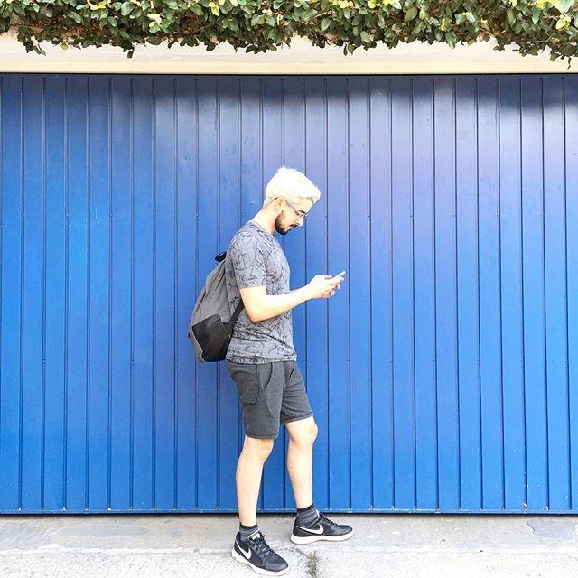 Euzinho mesmo, Rodrigo Falco - Vila Madalena em SP - Camisa da Youcom, shorts da Rodrigo Martins Fontes