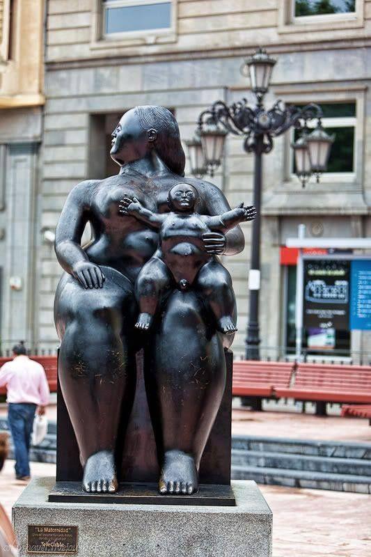 Escultura de Botero. Plaza de la Escandalera. Oviedo.  Asturias. Spain.