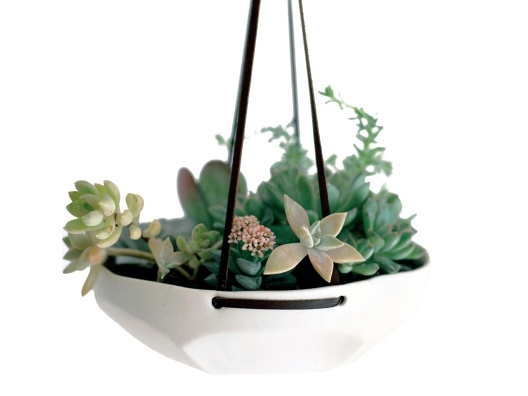 {Faceted Hanging Tray} by Pigeon Toe Ceramics - great for succulents/air plants or for storing veggies/fruits!: Plants Can, Pigeon When, Front Window, Hanging Trays, Faceted Hanging, Hanging Planters, Emily Henderson, Products, Toe Ceramics