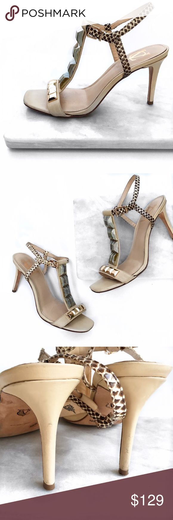 Vince Camuto signature nude heel Love these super chic heels from Vince Camuto's signature luxury line. No trades. Open to offers Vince Camuto Shoes Heels