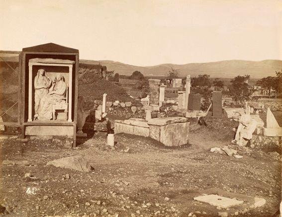 Πέτρος Μωραΐτης. Επιτύμβια μνημεία στον Κεραμεικό, περίπου 1870.