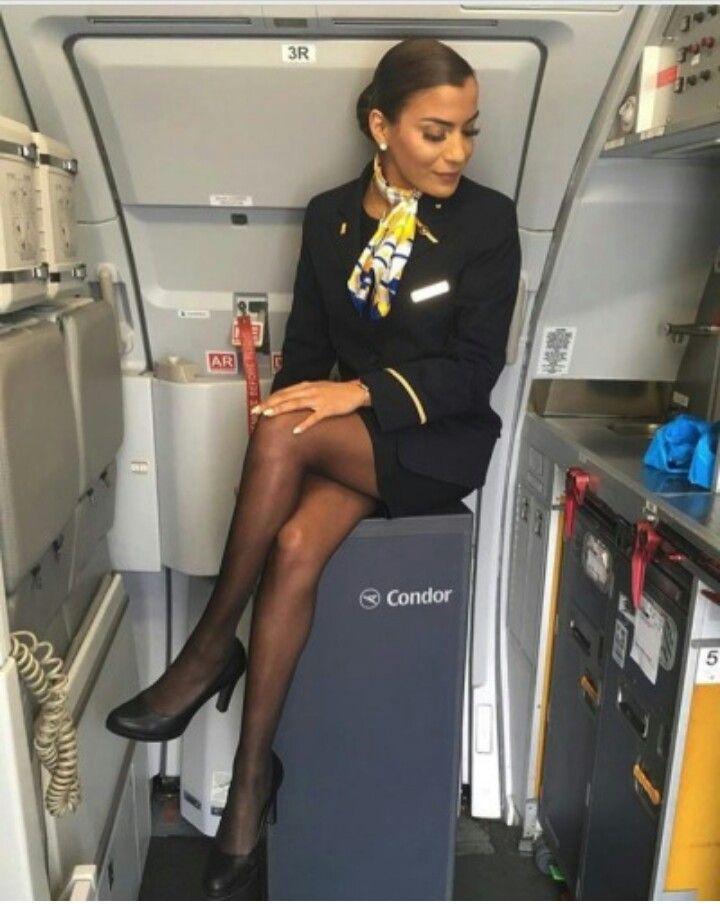 juicy-boobs-women-flight-attendant-clips