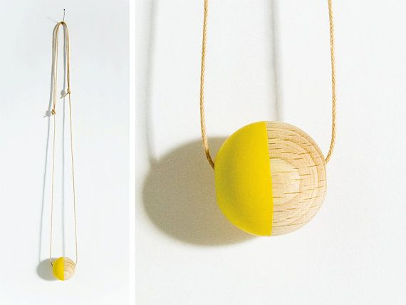 I love the playful simplicity of this necklace by heuteschmidt