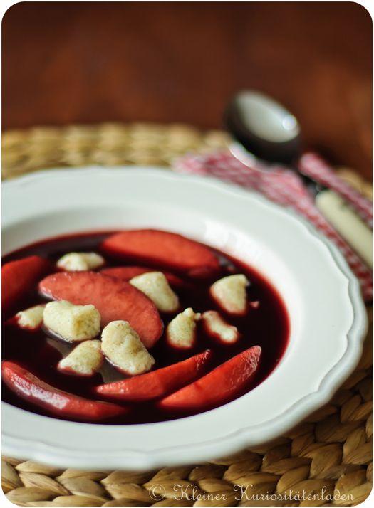 Kleiner Kuriositätenladen: Fliederbeersuppe mit Grießklößchen
