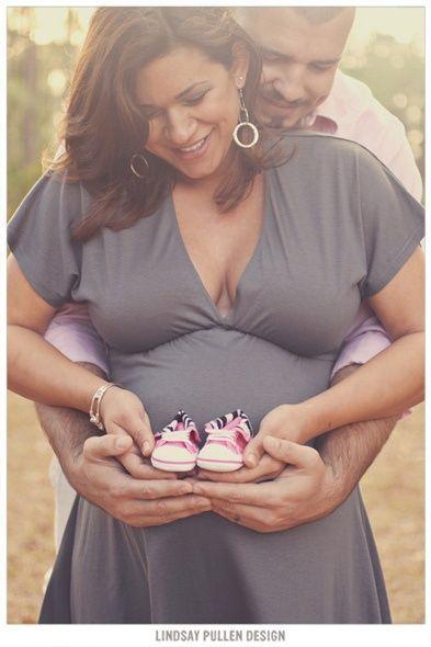 Expecting Family Portrait Photo Ideas.