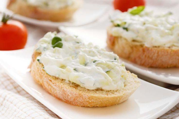 Der Zucchini-Aufstrich ist wunderbar zu Kartoffel oder als #Brotaufstrich. Ein #Rezept, das am besten frisch zubereitet schmeckt.