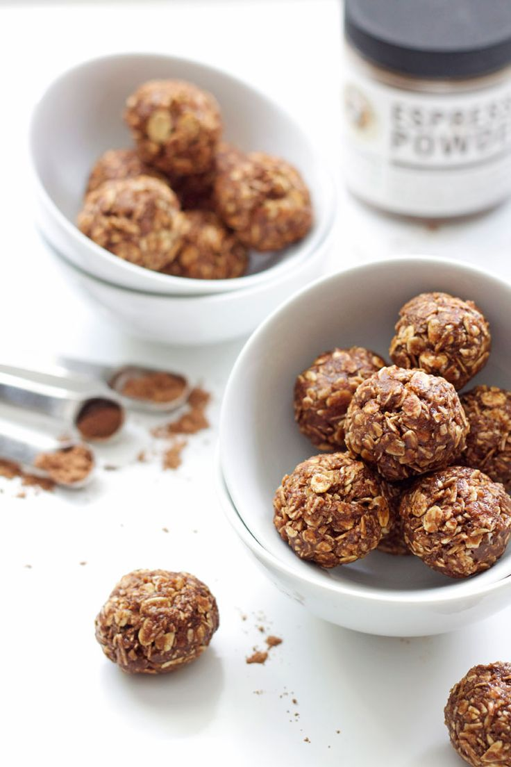 Peanut Butter Mocha Energy Bites - a healthy snack full of protein and carbs