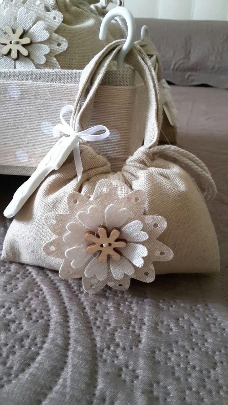 Sacchetto borsetta portaconfetti