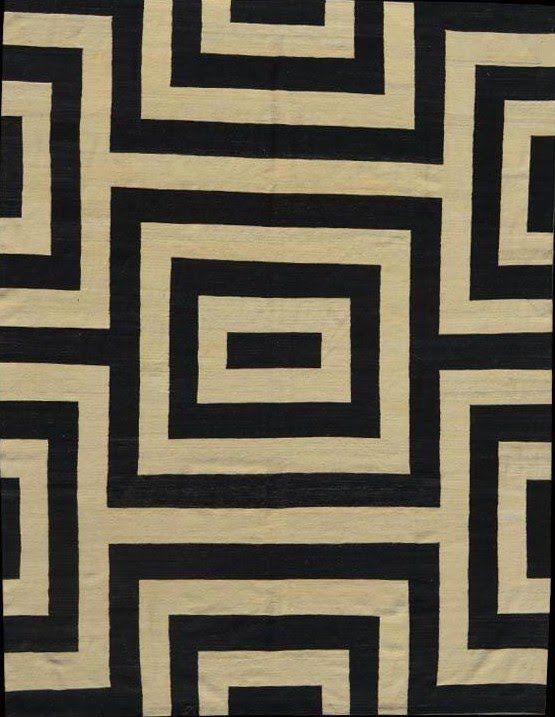Sinds 1984 gespecialiseerd in antieke tapijten, biedt de winkel van Michel Antoine een grote keuze aan oosterse tapijten en kelims.Zeer grote kelims voor eetkamer, woonkamer,loft...De winkel bevindt zich in de gemeente Elsene, mooi en levendig, dicht bij de Terkameren Abdij, het Flagey plein.. U zult er tapijten van verschillende herkomst vinden. Negentiende eeuwse stukken voor verzamelaars, grote klassieke oosterse tapijten, tapijten uit de jaren 20 –30 Art-Deco en moderniste en enkele…