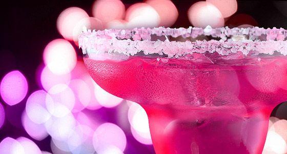 Jetzt kann Weihnachten kommen! Glitterlacke für glamouröse Auftritte!  Blickfang oder haptisches Erlebnis?  Beides! Wie lässt sich der Salzrand am festlichen Cocktailglas mit einem Funkeln und einer tastbare Struktur erlebbar machen?…   Fragen Sie nach sprühenden  Weihnachts-Ideen …  http://bit.ly/glitter-lacke