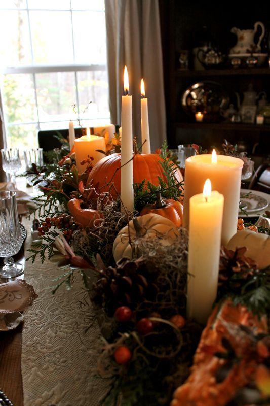 Tischdeko zur Hochzeit an Thanksgiving mit herbstlichen Motiven und Farben