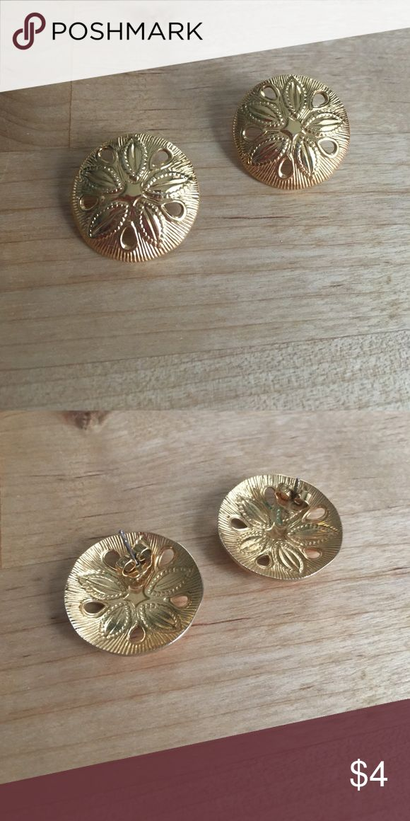 Gold Sand Dollar Earrings Gold curved metal, no stamp. 2.5cm across. Bundle up jewelry and make an offer! Jewelry Earrings
