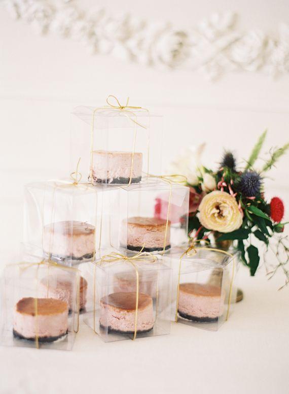 Cake wedding favors | photo by Jessica Burke | 100 Layer Cake