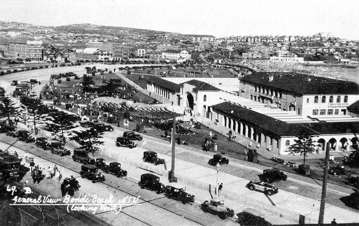 Bondi Pavilion and Bondi Beach looking north in 1939.