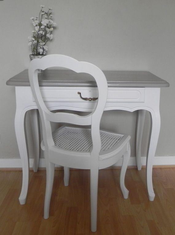 coiffeuse ou petit bureau - blanc et gris