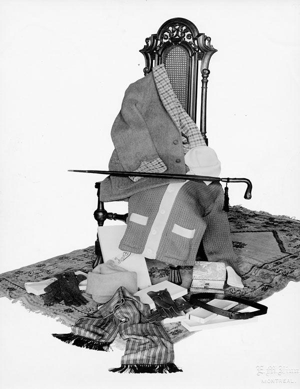 Une sélection de vêtements d'hiver pour hommes de R.J. Tooke Limited, Montréal, vers 1912.  Eugene M. Finn / Bibliothèque et Archives Canada / PA-110049.
