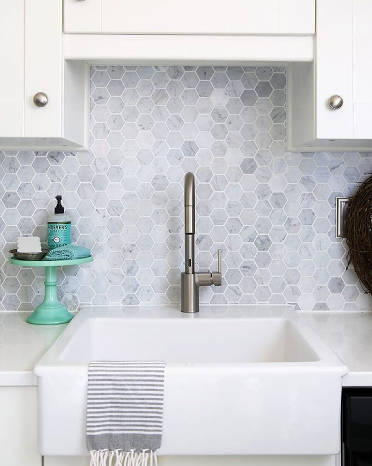 I'm so excited to kick off week number 2 of our oh-so-fun hashtag challenge #justorganizeit ! This week we want to see your beautifully organized kitchen! My little cake stand that keeps our kitchen soaps and cloths organized is one of my favorite details! This week's lucky winner will receive a set of striped kitchen towels as well as both aqua and white bar mops from @cleanmama 's amazing new product line Clean Mama HOME! To play along simply... 1Follow your hosts: @makinghomebase…